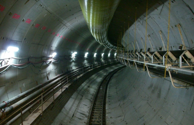 conveyor_02_tunnel